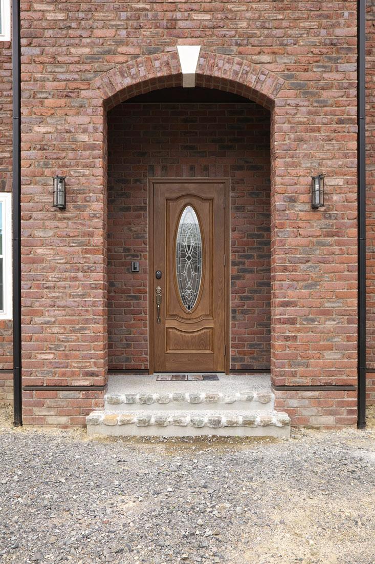 レンガの家の玄関