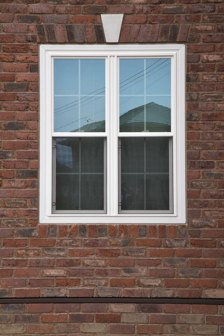 レンガ家の窓枠