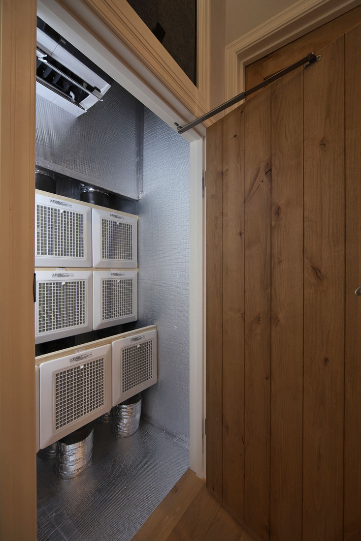 レンガの家の換気システム