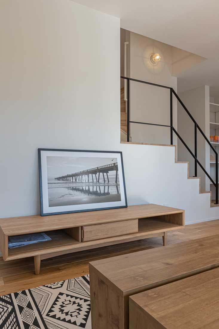 モデルハウスのリビングと階段